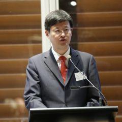 Mr Li Jun, Deputy Director-General of the Shanghai Municipal Financial Services Office