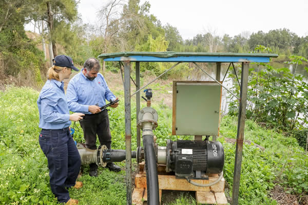 Water Regulator inspecting Hawkesbury and Hills agricultural operations