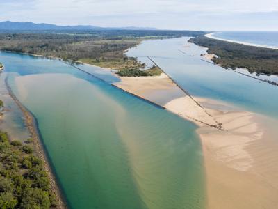 Bellinger and Kalang River meet in Urunga, NSW