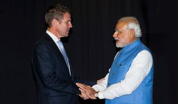NSW Premier Mike Baird with Indian Prime Minister Narendra Modi. Photo: Brendan Read